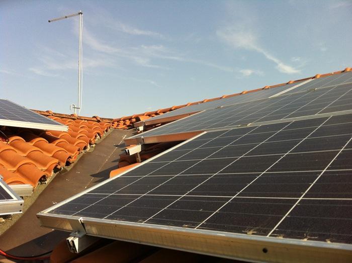 Impianto fotovoltaico combinato con solare termico e pompa for Impianto fotovoltaico con pompa di calore prezzi